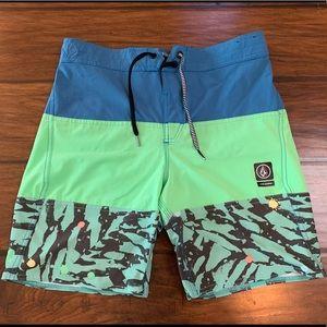 Boys Youth Volcom Board Shorts, Size XL (14Y)